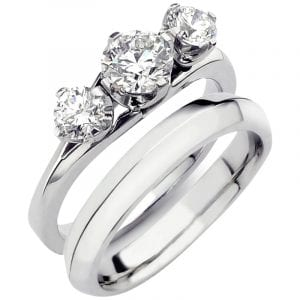 Designed engagement ring and fitted wedding ring
